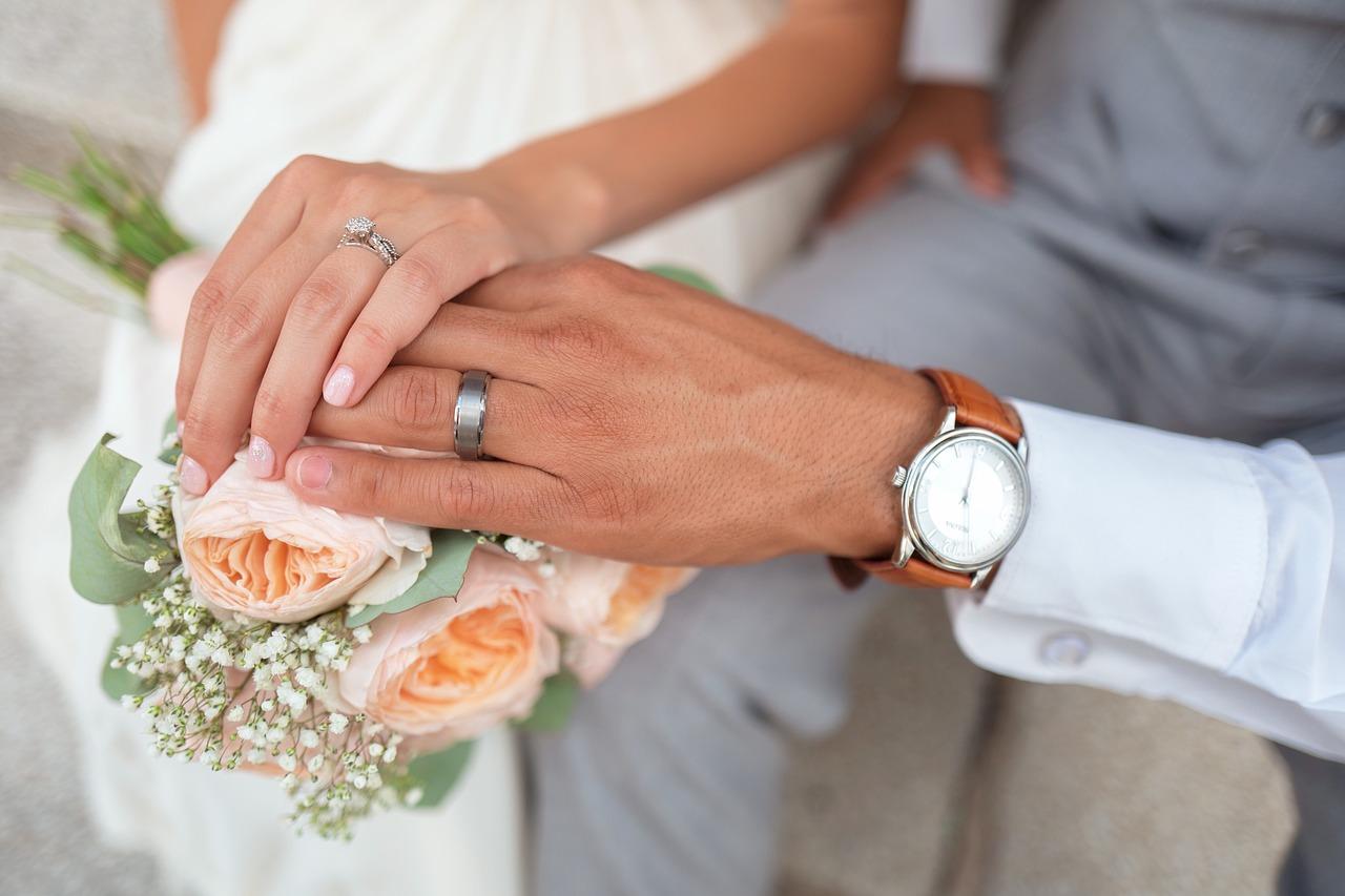 bride-1837148_1280