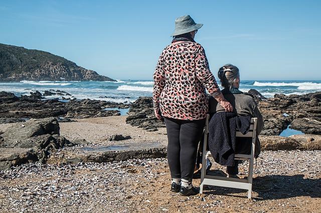 seniorky na pobřeží.jpg